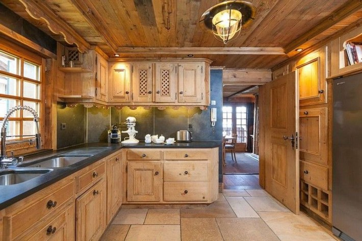 Impressive Spacious Chalet Design Ideas With Warm And Cosy Ambience 40