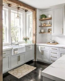 Top White Kitchen Cabinetry Design Ideas That Looks More Modern 04
