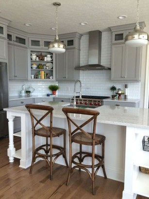 Top White Kitchen Cabinetry Design Ideas That Looks More Modern 07
