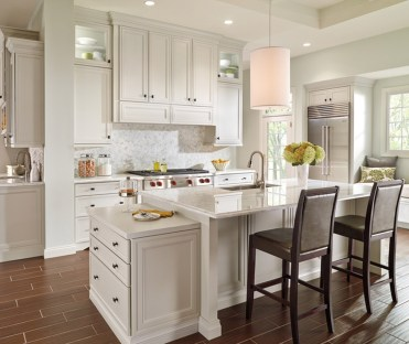Top White Kitchen Cabinetry Design Ideas That Looks More Modern 16