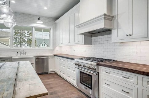 Top White Kitchen Cabinetry Design Ideas That Looks More Modern 29