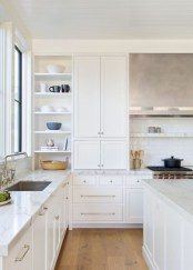 Top White Kitchen Cabinetry Design Ideas That Looks More Modern 33