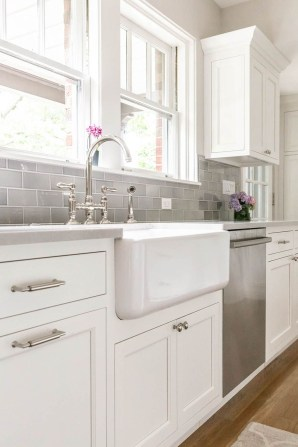 Top White Kitchen Cabinetry Design Ideas That Looks More Modern 47
