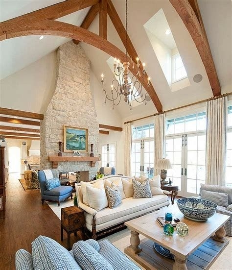 Amazing Small Living Room With Vaulted Ceiling 41