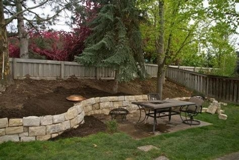 Lovely Retaining Wall Ideas For Sloped Front Yard 13