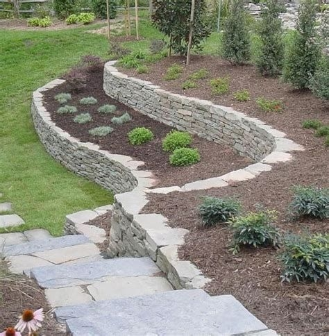 Lovely Retaining Wall Ideas For Sloped Front Yard 38