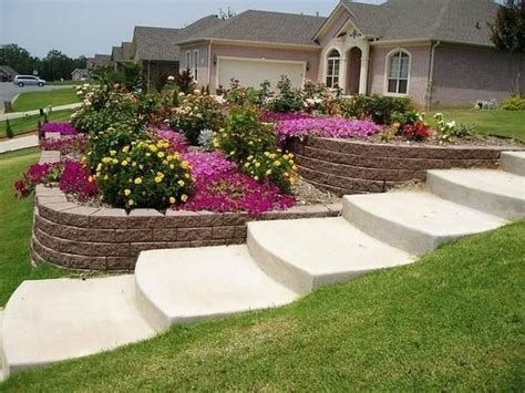 Lovely Retaining Wall Ideas For Sloped Front Yard 44
