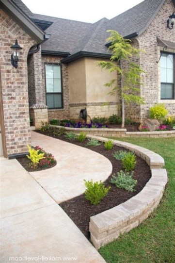 Stunning Front Yard Landscaping Ideas On A Budget 41