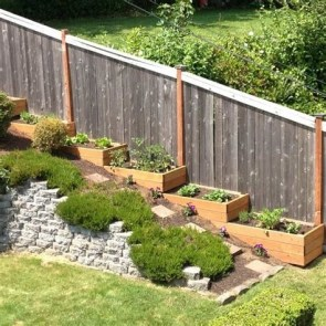 Totally Cute Sloped Backyard Landscaping Ideas 15