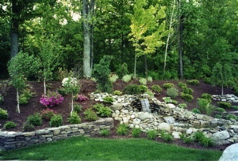 Totally Cute Sloped Backyard Landscaping Ideas 23