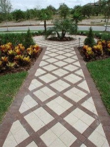 Totally Inspiring Front Yard Pathway Ideas 44