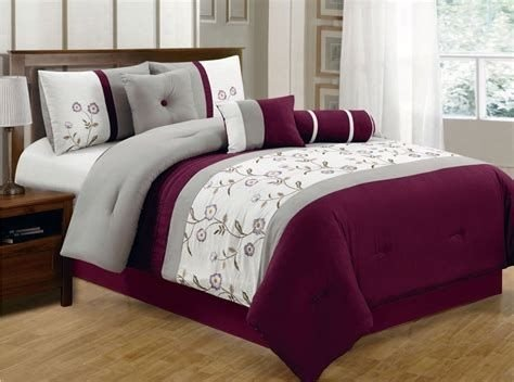 Awesome Burgundy And Grey Bedroom Ideas 22