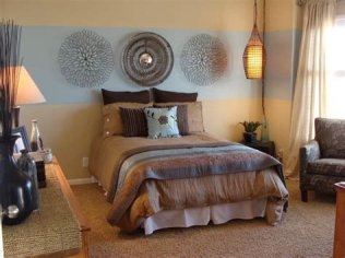 Lovely Two Tone Bedroom Paint Ideas 21