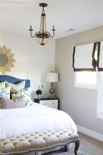 Lovely Two Tone Bedroom Paint Ideas 32