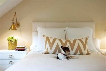 Totally Comfy White And Gold Themed Bedroom Ideas 05