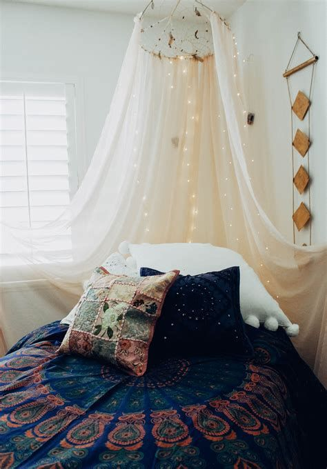 Adorable Aesthetic Room Ideas For Small Rooms 43