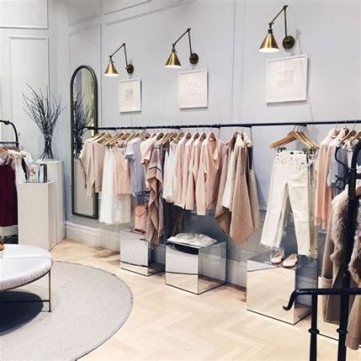 Beautiful Very Small Boutique Design 28