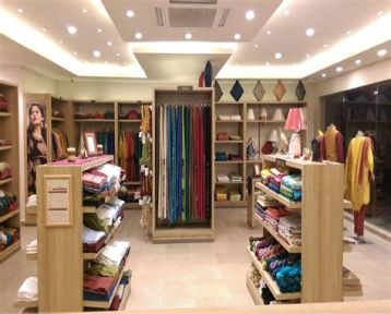 Beautiful Very Small Boutique Design 43