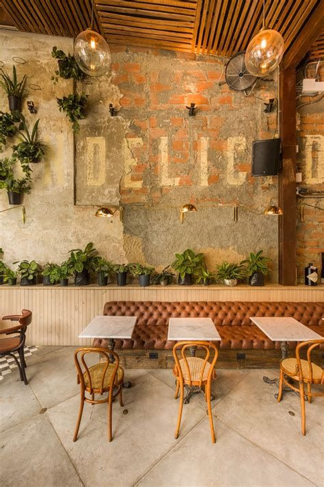 Lovely Low Budget Small Restaurant Design Ideas 12