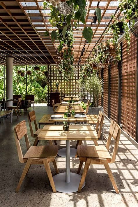 Lovely Low Budget Small Restaurant Design Ideas 26