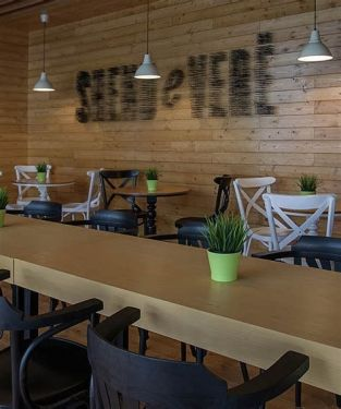 Lovely Low Budget Small Restaurant Design Ideas 34