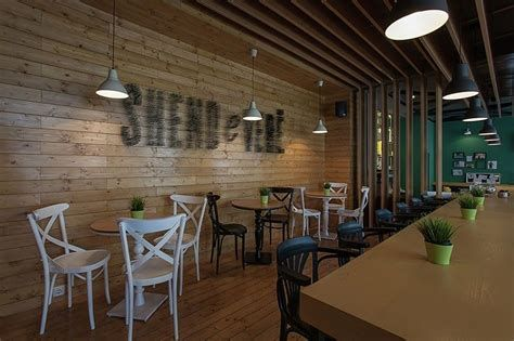 Lovely Low Budget Small Restaurant Design Ideas 37