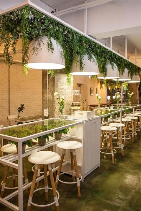 Lovely Low Budget Small Restaurant Design Ideas 40