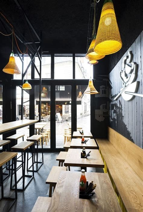 Lovely Low Budget Small Restaurant Design Ideas 42