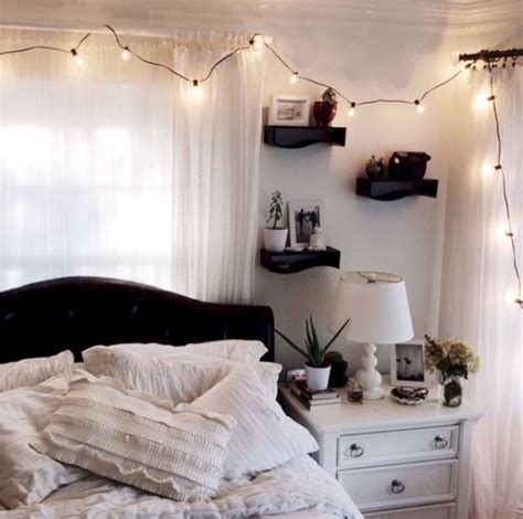Totally Cute Black And White Room Aesthetic Ideas 43