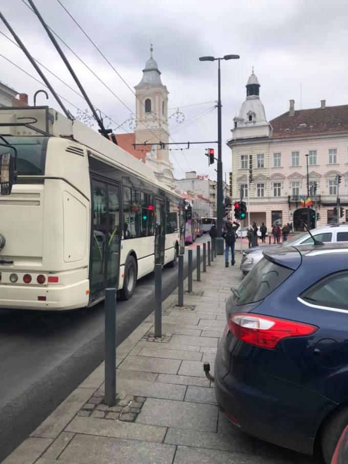Accident Cluj: Femeie lovită de autobuz în Piața Unirii, în față la Melody 3