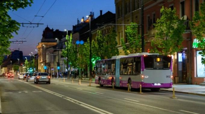 """Cluj. Nou! Abonament cu 120 de călătorii pentru studenți. Emil Boc: """"Facilități noi pentru transportul public al studenților în oraș. Primăria Cluj-Napoca alături de Compania de Transport Public propun ..."""" 1"""