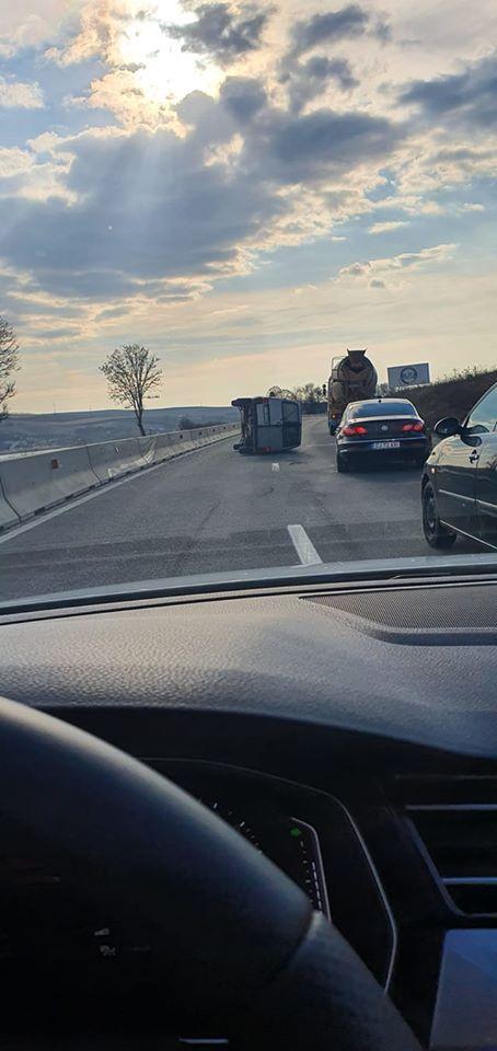Accident Cluj. Mașină răsturnată intre Vâlcele si Martinesti spre Turda 1