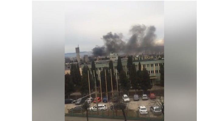 (Video) Incendiu Cluj. Arde o hala din incinta Sinterom 1