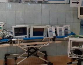 """USAMV Cluj: """"12 aparate performante sunt direcționate către Secția ATI din cadrul Spitalul Clinic De Recuperare Cluj Napoca, la cererea instituției medicale, după cum urmează: monitoare funcții vitale cu defibrilator, monitoare funcții vitale cu accesorii, ventilator performant, injectomate și infuzomate. Toate aparatele sunt destinate și pentru uz uman"""" 3"""