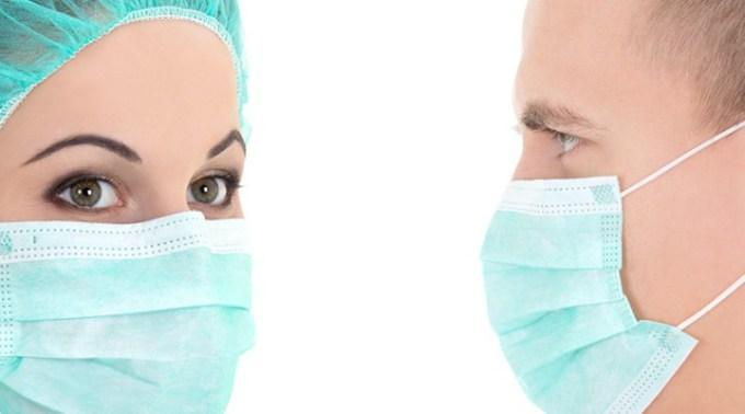 """Laura Savu: """"Dragi colegi, medici stomatologi, din Cluj-Napoca, si nu numai...consider ca ar fi o mare implicare si susținere din partea noastră, daca fiecare donam o cutie de măști si o cutie de mănuși....le înmânez personalului medical de la Spitalul Clinic de Boli Infecțioase Cluj-Napoca"""" 1"""