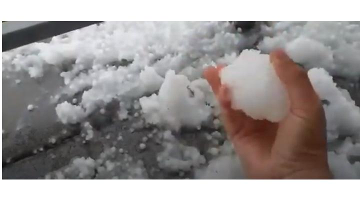 Video Cluj. Fenomene meteo extreme. Grindină și rupere de nori la Turda și Câmpia Turzii! 1