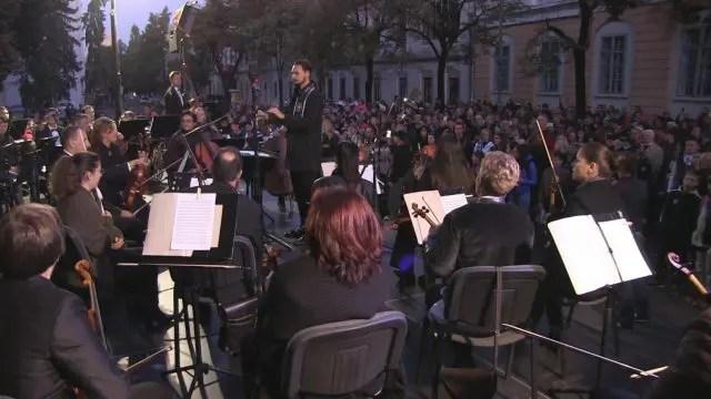 """Moment inedit la Cluj. Galeria """"U"""" Cluj a cântat pe scenă alături de o orchestră simfonică"""