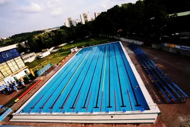 Universitatea Tehnică deschide Piscina Olimpică exterioară. De 1 Iunie, copiii au intrare liberă