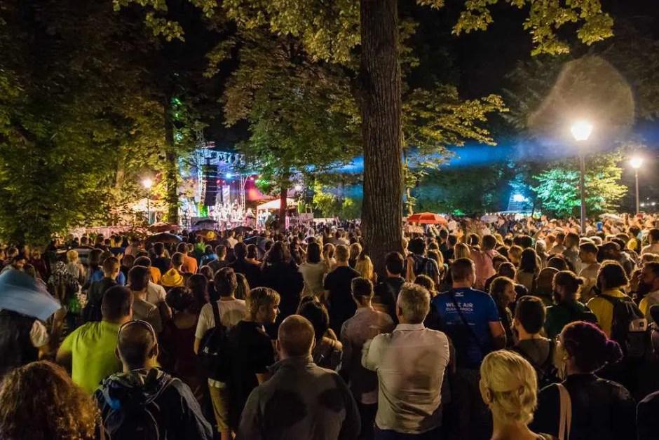 CLUJ   Festivalul Jazz in the Park continuă cu șase zile pline de activități și concerte, desfășurate în mai multe locuri din oraș