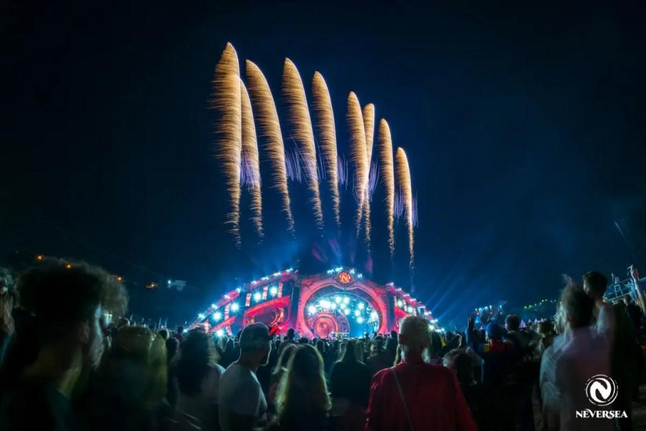 Festivalul NEVERSEA, la final   Peste 210.000 de oameni au petrecut în cele patru zile de festival