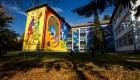 Artă în curtea școlii   Mai mulţi artişti au colorat zidurile cenuşii ale unei şcoli din Cluj