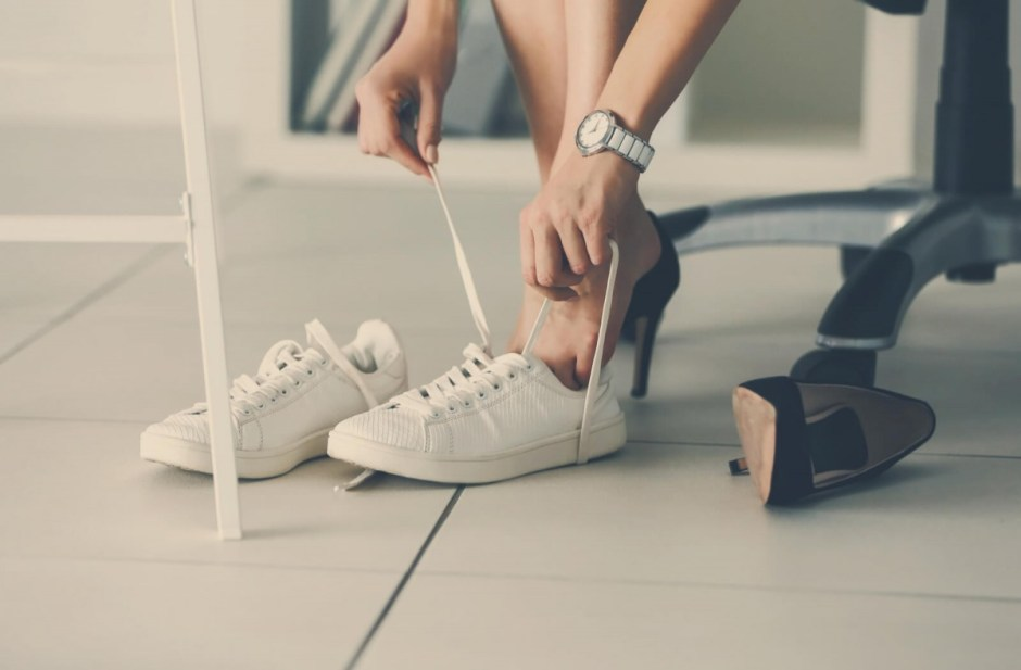 5 greşeli pe care NU trebuie să faci atunci când îţi cumperi pantofi