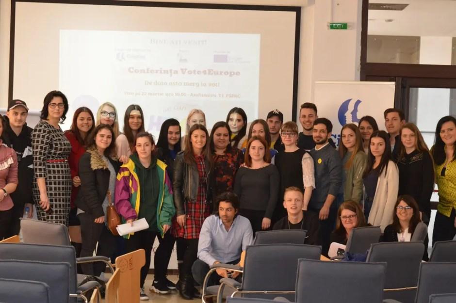 Conferință și ateliere la Cluj despre importanța participării la vot în rândul tinerilor