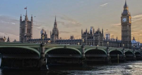 De ce sa te inscrii intr-un program Work and Travel UK