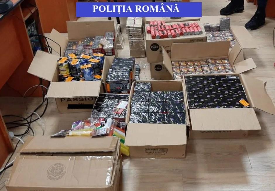 Aproape două tone de petarde şi artificii au fost confiscate de poliţiştii din Cluj