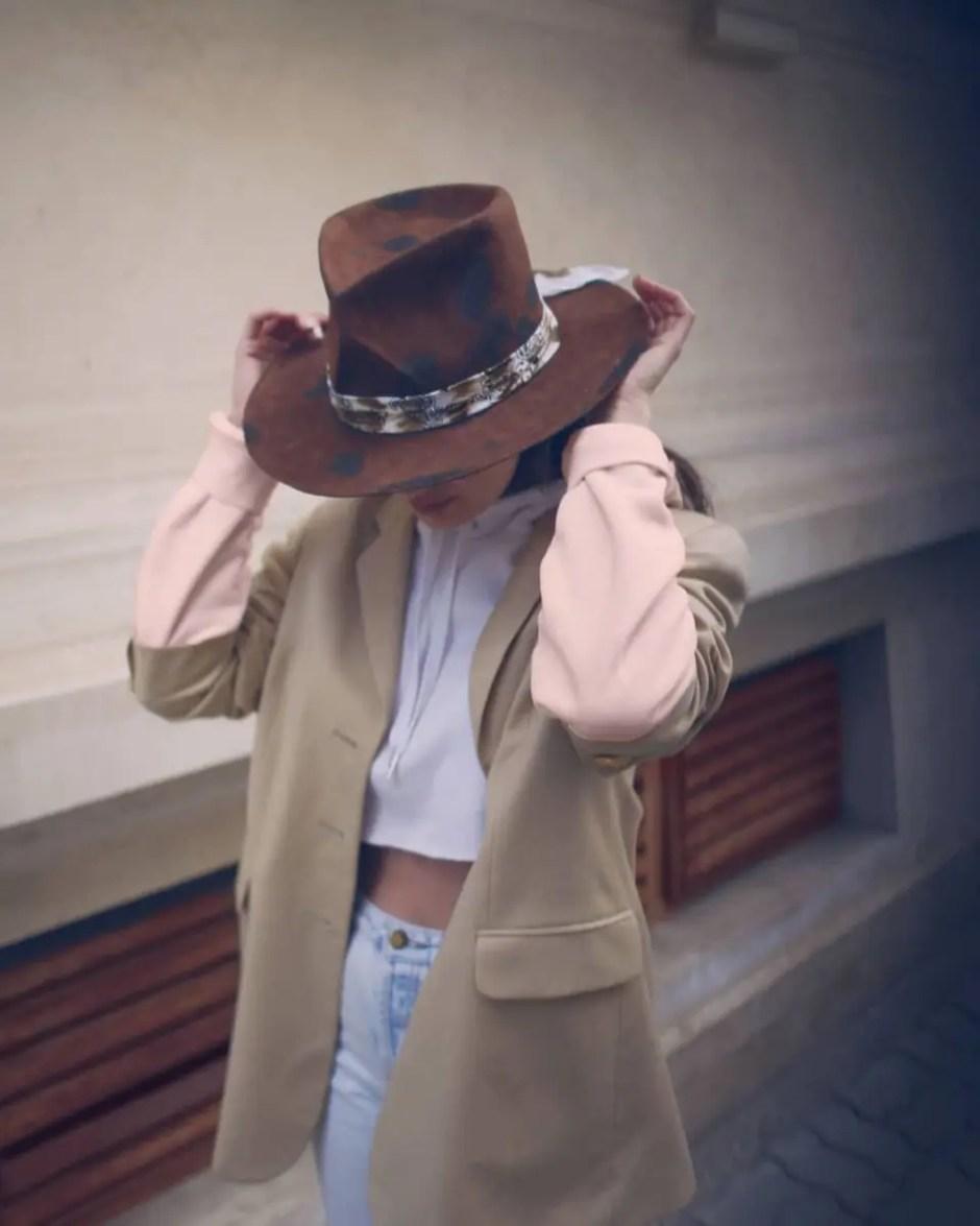 Povestea conceptului AMIZADE - pălării personalizate