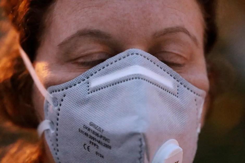 Autorităţile din judeţul Cluj recomandă acoperirea feței cu mască