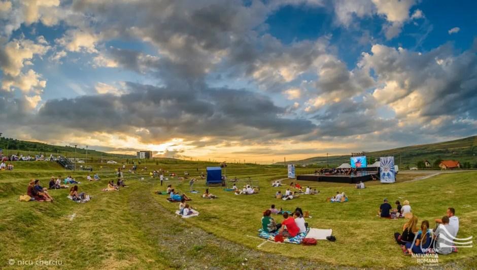 Opera Naţională Cluj organizează microstagiunea estivală în aer liber
