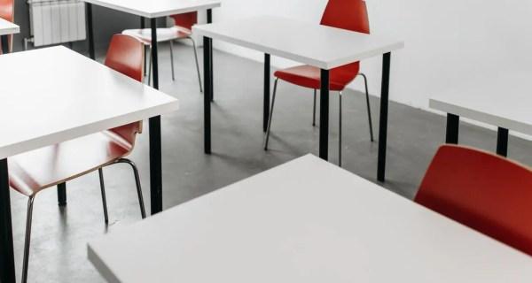 Cum ar trebui gestionate orele și spațiile de învățare în școli în context pandemic