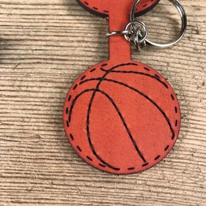 Rondör basket nyckelring i läder